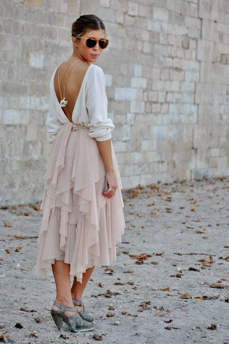 gorgeous! Would be a great vacation outfit. (minus the backwards necklace)
