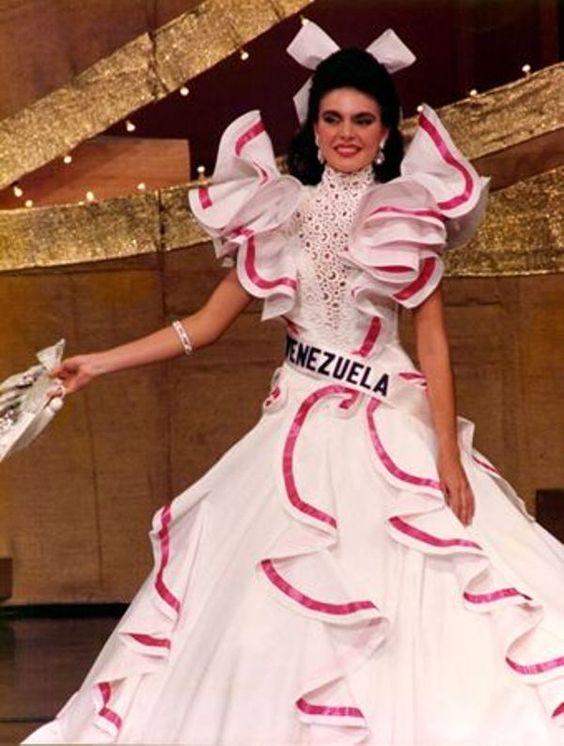 Traje de Dama Antañona creado para Bárbara Palacios para el Miss Universe...