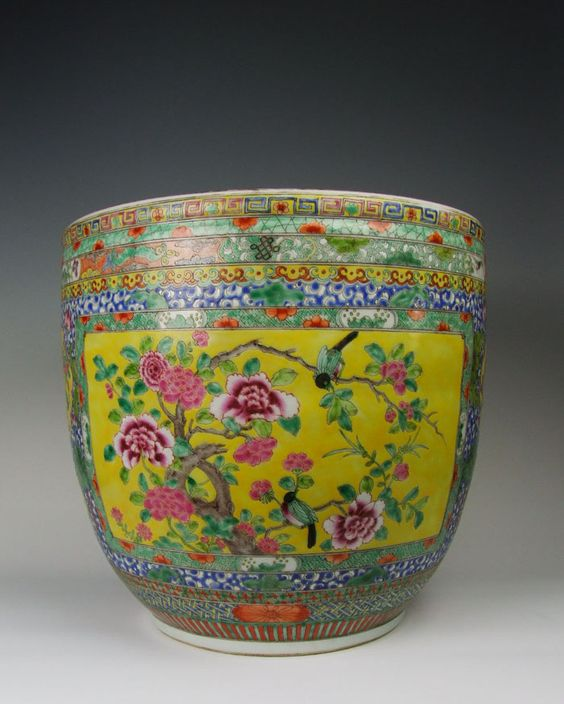 """one Large Qing Dynasty """"KangXi"""" Reign Famille Rose Porcelain Vase With Flower Pattern"""