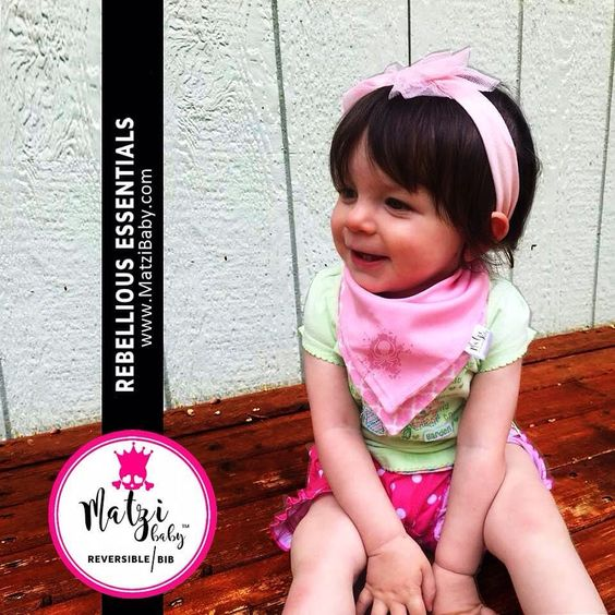 We're in love with this adorable cutie pie! Doesn't she rock this rebellious bib? <3 #babybandanabib #babyscarf #babybib #babybandana #babygirl #babyboy #instababy #octopus #babyshower #cutebaby #matzibaby #rebelliousbaby #punxbaby #punkbaby #rockbaby #rebellious #babyhipster #babyriot by matzibaby