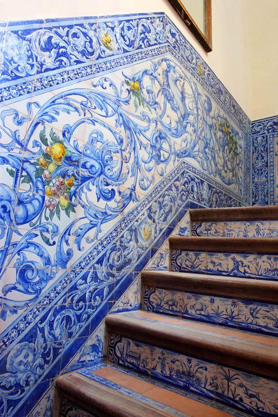 Tiled staircase, riser and surrounding wall in Seville, Spain. Via Lorenzo Castillo.: