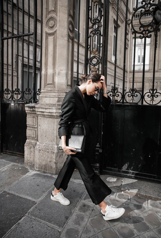 all black Paris fashion week street style Isabel Marant sneakers cropped kick flare Stella McCartney blazer Bassike belt modern legacy (2 of 8):