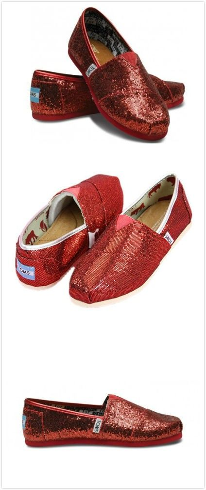TOMS Outlet $16.89! (but the shipping cost is $17.00) so sad... :(