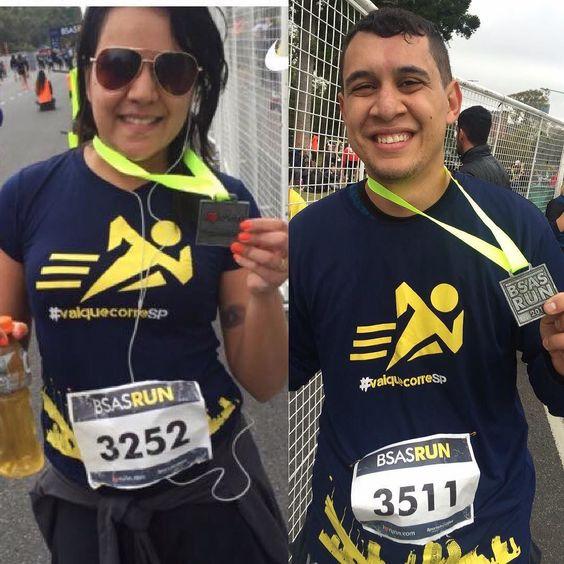Esse casal lindo representou a equipe em terras internacionais em plena lua de mel! Obrigado equipe e parabéns pra vocês dois!  . . . . . . #vaiquecorresp #vaiquecorre #corrida #argentina #buenosaires #luademel #corredores #corridaderua #run #running #loverun #loverunning by vaiquecorresp