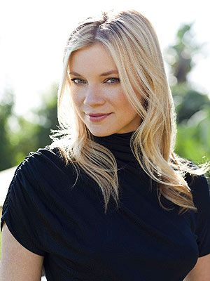 Amy Smart, chairperson of the Environmental Media Association's Young Hollywood Board, lives an eco friendly lifestyle!