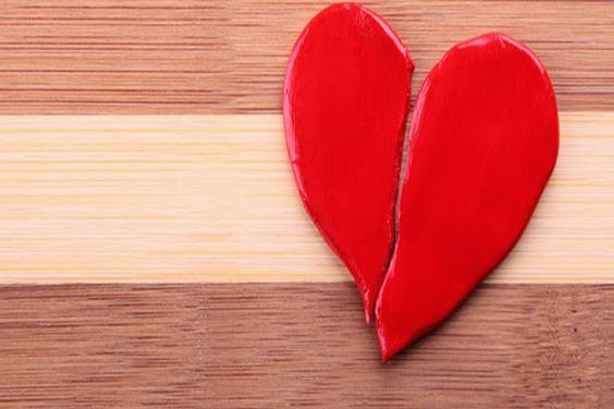 Bagaimana Agar Istri Membatalkan Perceraian dan Melupakan Orang yang Dikaguminya Selain Suami