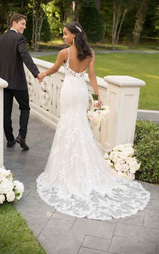 Classic Fit And Flare With Pearl Finished Lace Stella York Wedding Dresses Stella York Wedding Dress Fitted Wedding Dress Fit And Flare Wedding Dress