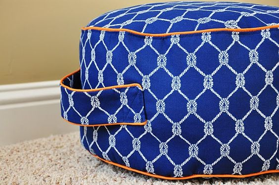 Floor pouf with handles: Cushion Tutorial, Sewing Machine