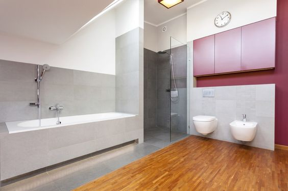Walk In Shower With Glass Wall And Rainshower Faucet
