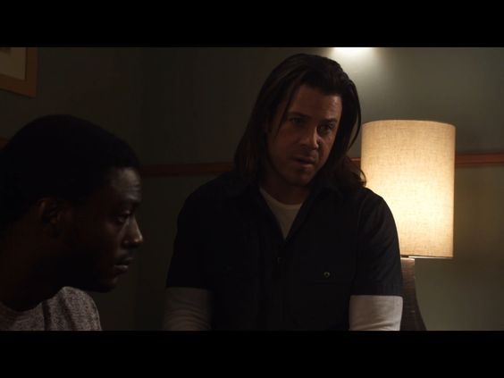 Alec Hardison (Aldis Hodge) & Eliot Spencer (Christian Kane) (screen capture) The 12-Step Job