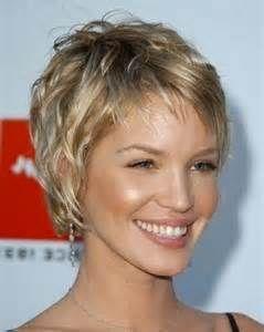 Kvinder 50 til frisurer over Kort hår