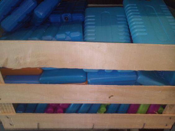 Kühl-Akkus in diversen Farben und Größen