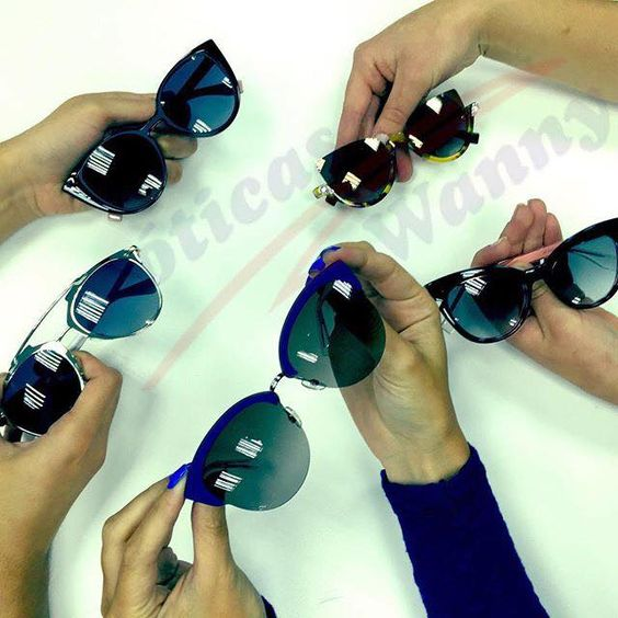 Chegaram os lançamentos da Fendi e Dior nas Óticas Wanny! Já escolheu o seu?! www.oticaswanny.com #compreoseu #compreonline #oticaswanny #dior #abstract #paradeyes #fendi #chromic #jimmychoo #andie #reflected #soreal #novacor #rosa #preto #cateye #diorun #sideral #confident #wanny #online