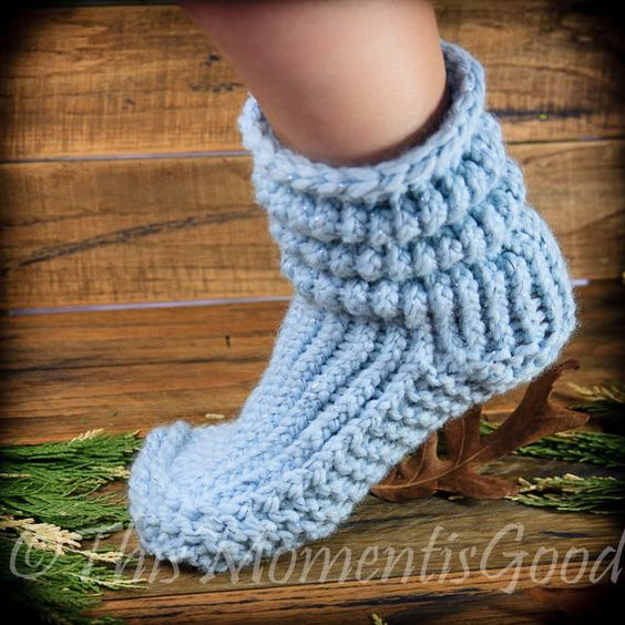 Loom Knitting Patterns For Slippers : Loom Knit Slipper Boots PATTERN. The Bunchy Boot PATTERN! Fits adults and tee...