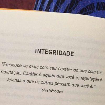 instagram - @sobosmeusolhos