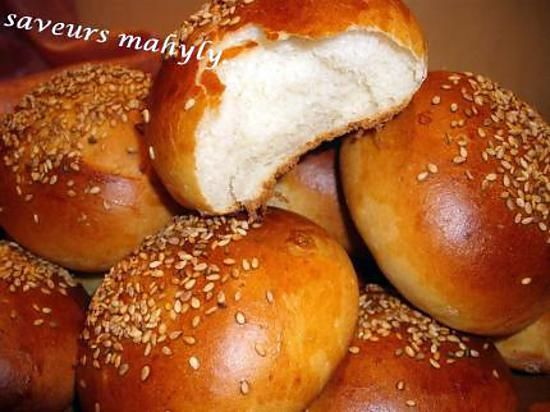 recette krachel au lait et graines de sésames(brioches marocaines)