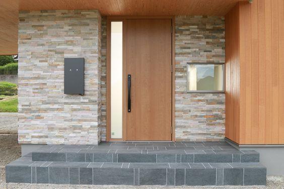 玄関ドア 室内ドア 建具事例集 現代的な玄関ドア 玄関 玄関