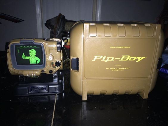 Another look at the #pipboy from #fallout4. I got the app and everything works. #ps4games #cosplayprops #cosplay