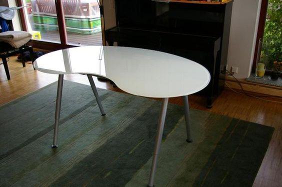 Schreibtisch GALANT Glas » IKEA-Möbel aus Neuenbürg