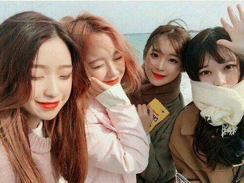 Y N As Kpop Idol In 2021 Korean Best Friends Ulzzang Girl Cute Korean Girl