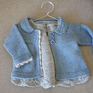 Knitmeasweater : FREE KNITTED PATTERN   Charlee Baby Girl Jacket/Co...