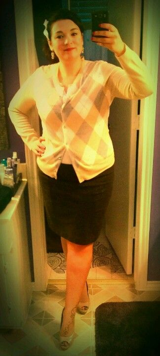 Pinup Fashion: work ensemble with a schoolgirl flair. Got a light green, grey and white argyle sweater with diamond accents and a gray skirt. Love those nude heels too.