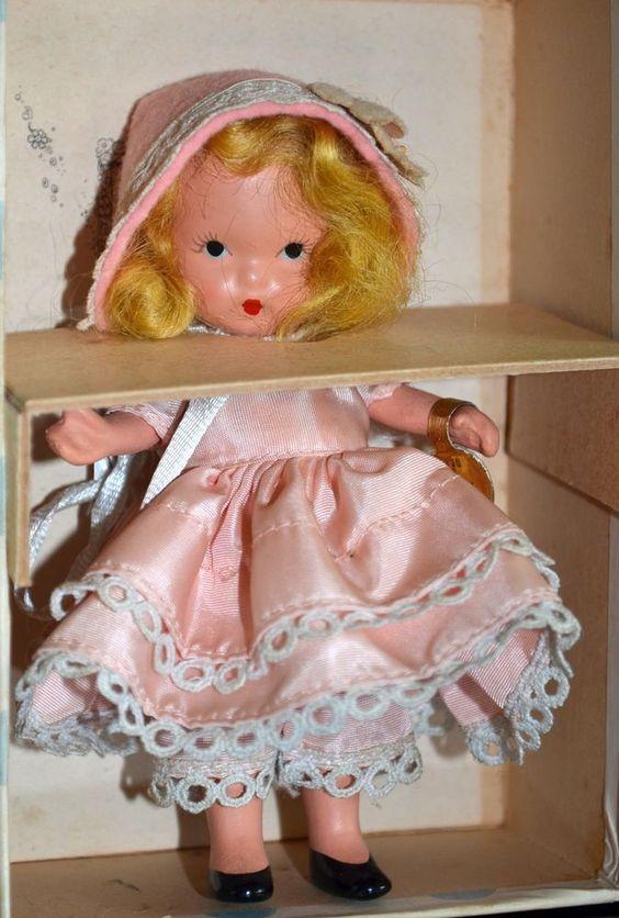 Vintage Nancy Ann Storybook Doll #130 Dainty Dolly