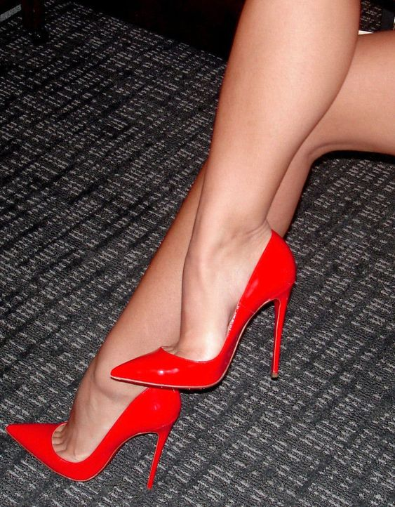 Red pumps More: