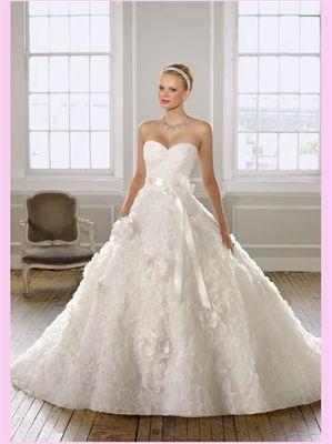 White Ball Sweetheart Organza Wedding Dress