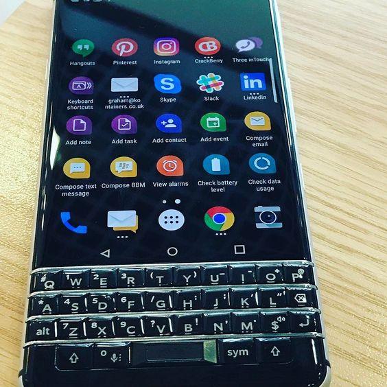 "#inst10 #ReGram @grahamtparker36: New #blackberry #keyone ...... #BlackBerryClubs #BlackBerryPhotos #BBer ....... #OldBlackBerry #NewBlackBerry ....... #BlackBerryMobile #BBMobile #BBMobileUS #BBMibleCA ....... #RIM #QWERTY #Keyboard .......  70% Off More BlackBerry: "" http://ift.tt/2otBzeO ""  .......  #Hashtag "" #BlackBerryClubs "" ......."