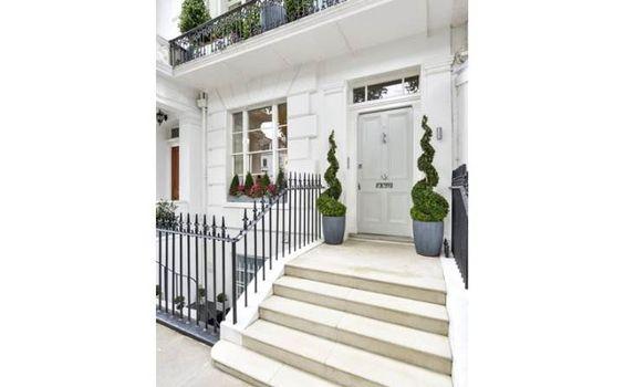 Savills | Ovington Square, London, SW3 1LN | Property for sale