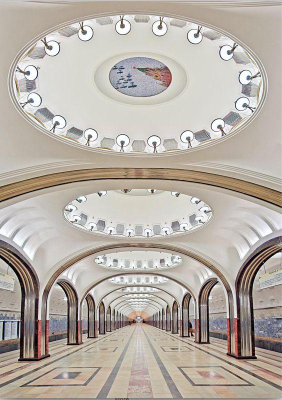 #Metro #Moscú Estación Mayakovskaya. cc @eraserusia @Y_arquitectura
