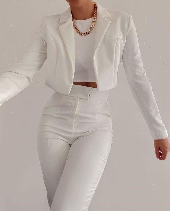outfits blanco saco pantalón