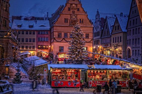 Rothenburg ob der Tauber - Detailansicht. Rothenburg Christmas Market -- must go!!!