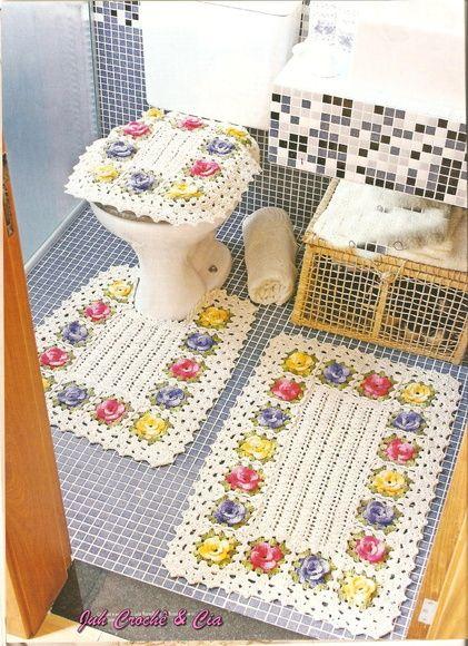 Lindo e delicado    tam:  tapete: 51x81  tapete vaso:51x62  tampo:45x53 R$ 376,00