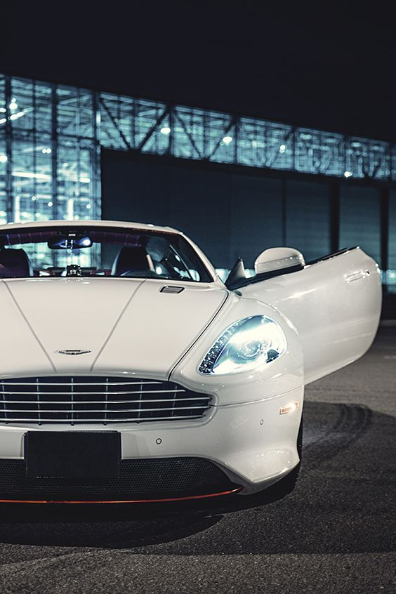 Hyper-Caine   | Drive a Aston @ http://www.globalracingschools.com