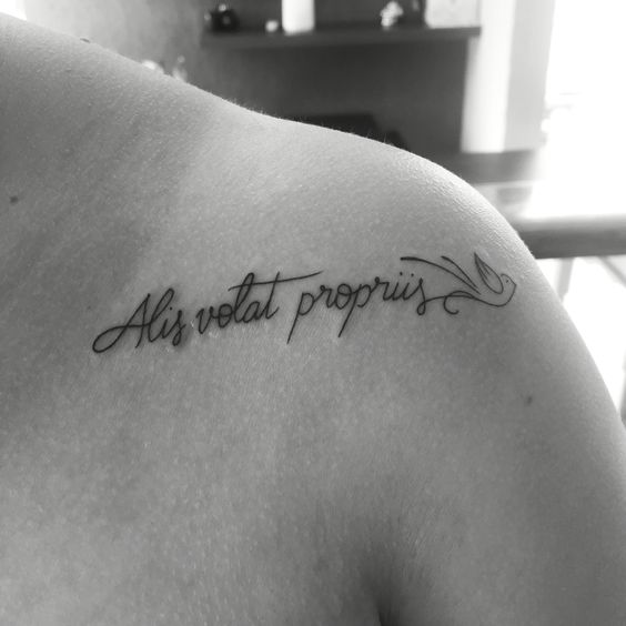 Alis Volat Propriis ❤️