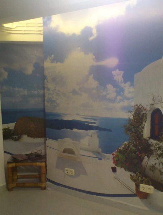 Una esquina con fotomurales, en este caso el 269 de 8 partes: http://www.tusmurales.com/blog-fotomurales-baratos/17-fotomurales-instalacion-269