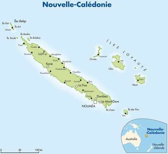 La Nouvelle-Calédonie : L'île principale, appelée la Grande Terre, est traversée du Nord au Sud par une chaîne de massifs montagneux dont les sommets culminent parfois à plus de 1.600 mètres (Mont Panié, Mé Mayoa, Mont Humboldt, massif du Kouakoué). Cette chaîne centrale coupe l'île en deux régions : la côte Est, avec des vallées profondes et luxuriantes, la côte Ouest, plus découpée, avec des plaines propres à la culture et à l'élevage surplombées par des massifs riches en minerais.