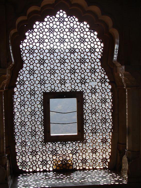 MOUCHARABIEH (Inde)