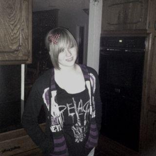 Jordan wears a bow!  Haven't seen that since she was 5!