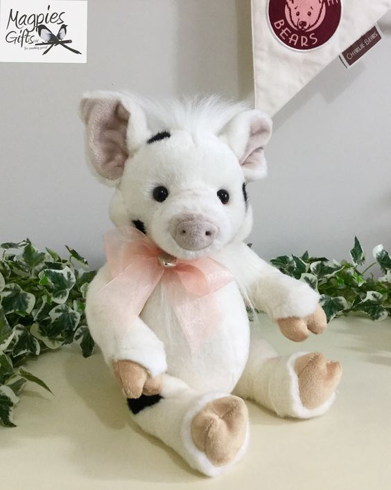 Introducing Truffles the Pig form the 2017 Collection by Charlie Bears & now in stock at Magpies Gifts. http://magpies-gifts.co.uk/truffles-by-charlie-bears.html #pig #piglet #truffles #alisonmills #charliebears #charlottemorris #2017collection #magpiesgifts #tragomills #newtonabbot #devon
