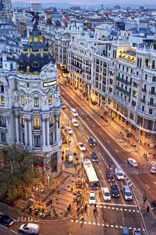 Early evening at the corner of Gran Vía with Calle Alcalá. Madrid...I miss you !