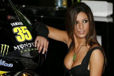 FORMULA 1 VE MOTOGP'NİN EN SEKSİ PİT KIZLARI - 1 #hot #sexy #Gridgirls #Formula1 #MotoGP #umbrellaGirls #Gambling