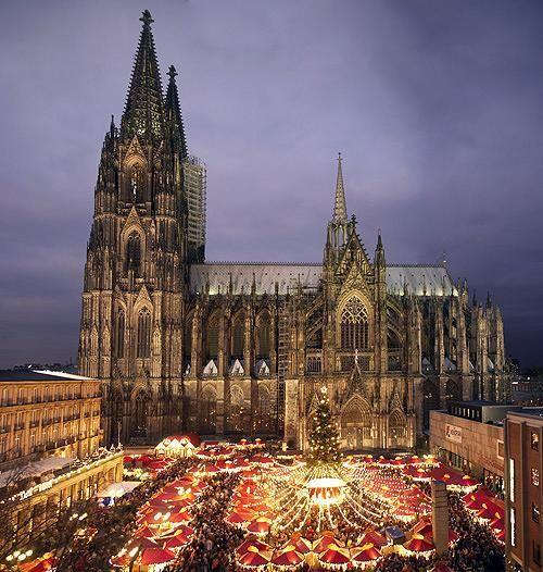 Weihnachtsmarkt in Köln, Germany