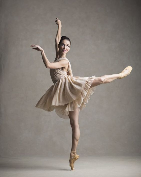 What are awards/achievements/reviews that national ballet of Canada have gotten?