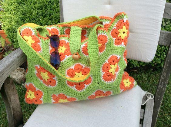 Schultertaschen - Sommertasche nach Granny Square Art - ein Designerstück von Lotti-Geli bei DaWanda