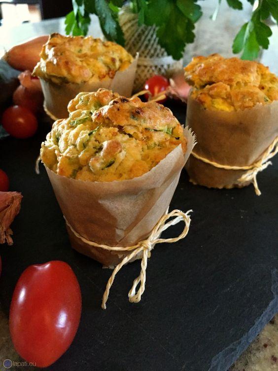 Leckere Gemüse Muffins mit Zucchini, Zwiebel, Tomate und mehr - Delicious vegetable muffins