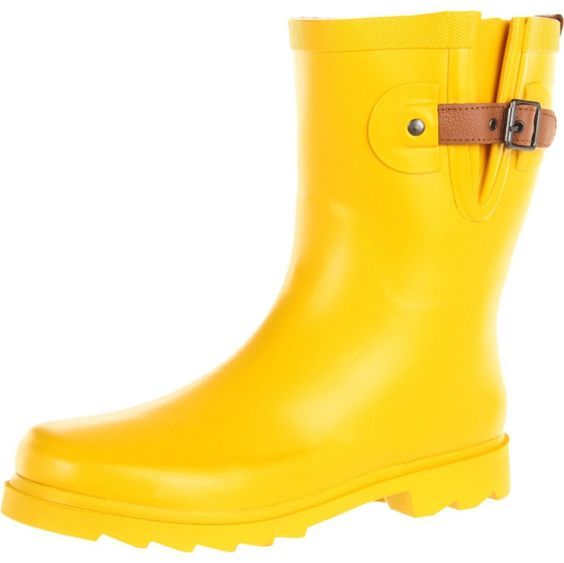 Classic Yellow rain boots in mid height! YAY! (http://www