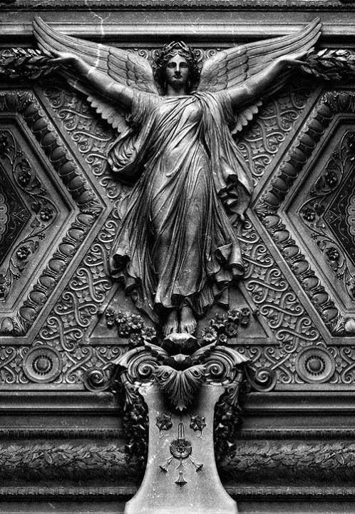 #Angels|The Louvre